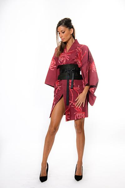 Abiti Eleganti Kimono.Kimonoflamina Vendita Kimono Kokeshi E Arte Giapponese